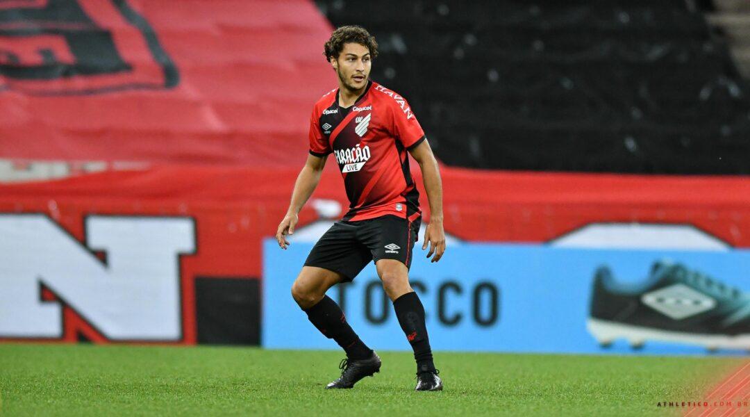 Marcinho, do Athletico, faz acordo e pagará indenização aos netos de casal morto em atropelamento