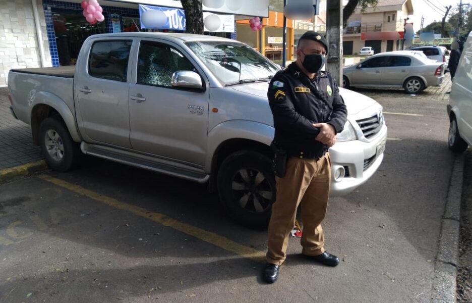 Jovem é surpreendido durante tentativa de assalto contra policial e acaba morto no bairro Pinheirinho