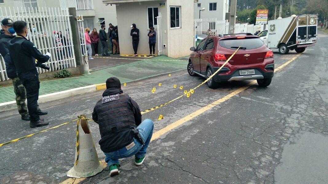 IMAGENS FORTES]: mulher é executada com mais de 10 tiros no portão de casa;  assista - RIC Mais