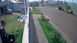 Motociclista fica gravemente ferido em acidente com ônibus, em Maringá