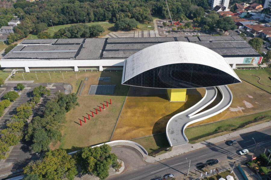 """Para dentro das telas: Museu Oscar Niemeyer lança a oficina artística """"MON ao Vivo"""""""