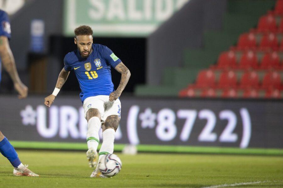 Neymar vibra com marca ao lado de Romário e Zico nas Eliminatórias