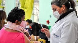 Campanha 'De Domingo a Domingo' acelera vacinas contra covid-19 no Paraná