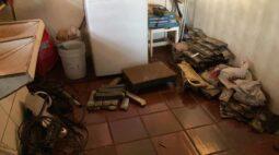 Placas de túmulo e outros objetos furtados são encontrados em duas casas de Londrina