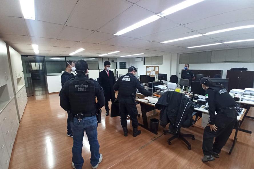 Balanço: operação prende três pessoas por abuso e exploração sexual de crianças na internet