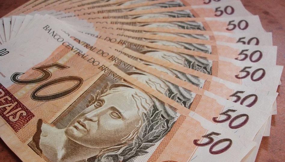Paraná regulamenta auxílio emergencial para empresas: veja quem tem direito