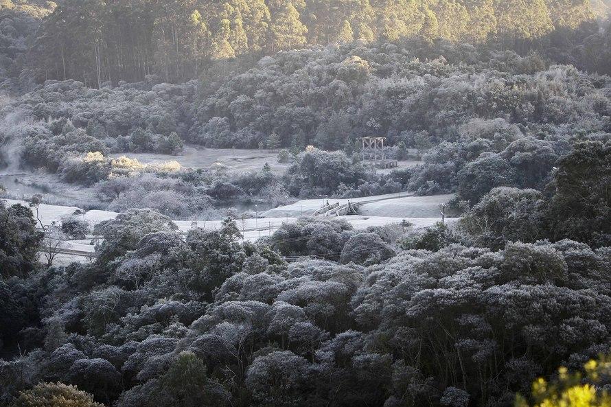 Temperaturas caem bruscamente na próxima semana; confira previsão para o Paraná