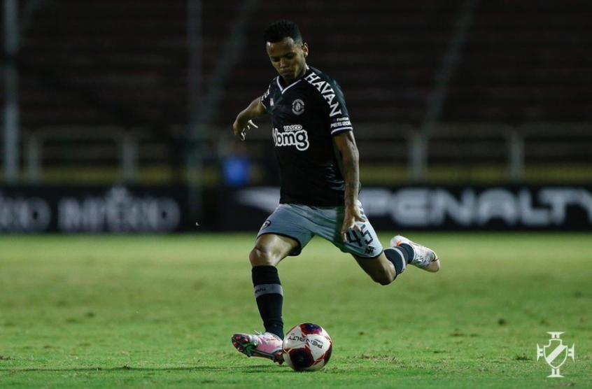 Riquelme agradece apoio do Vasco após morte do avô