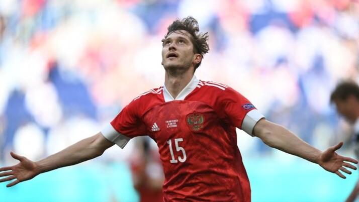 Rússia vence Finlândia e embola grupo B da Eurocopa
