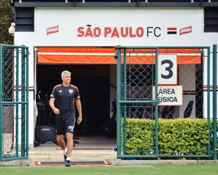 Com Crespo de volta, São Paulo faz último treino antes de decisão na Copa do Brasil