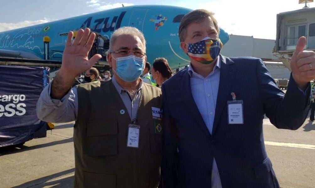 Três milhões de vacinas da Janssen doadas pelos EUA chegam ao Brasil