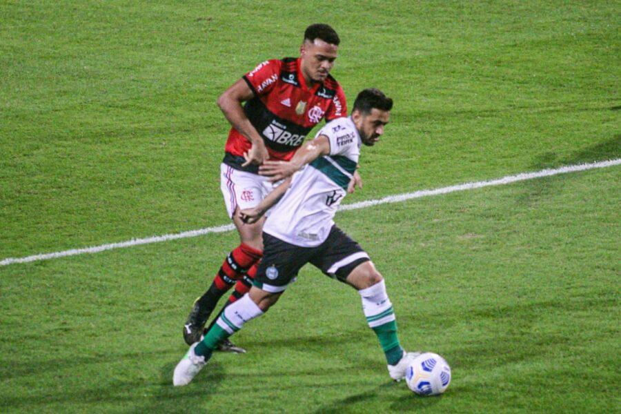 Coritiba é dominado e perde para o Flamengo por 1 a 0