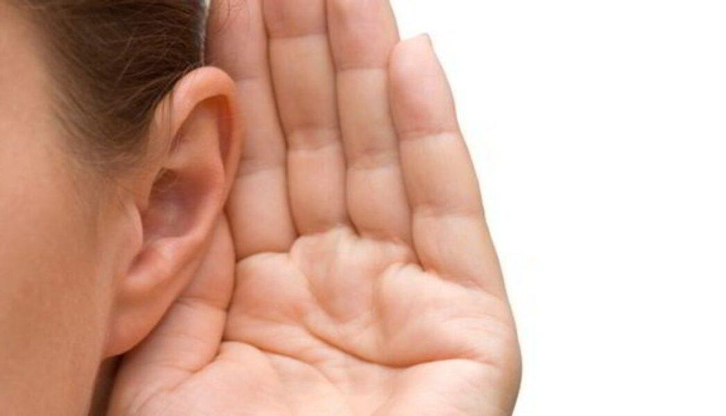 Prótese auditiva: saiba  porque mesmo em casos de surdez profunda é necessário utiliza-la