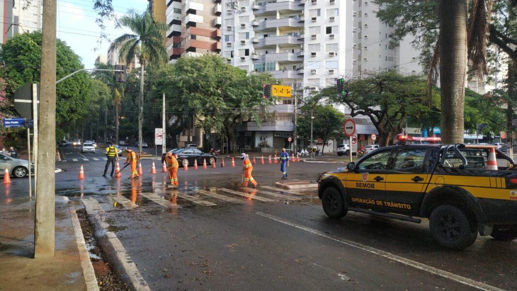 Trecho da avenida São Paulo é interditado para recapeamento em Maringá