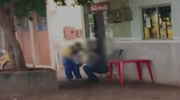 Homem que recebeu encomenda de cédulas falsas é preso em flagrante no interior do Paraná; vídeo