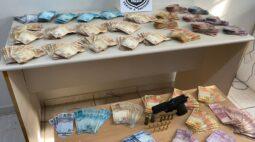Quarteto é preso suspeito de envolvimento com tráfico de drogas