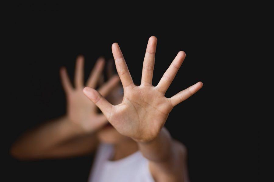 Motoboy é preso após violentar menina de 8 anos enquanto cuidava dela para a mãe trabalhar