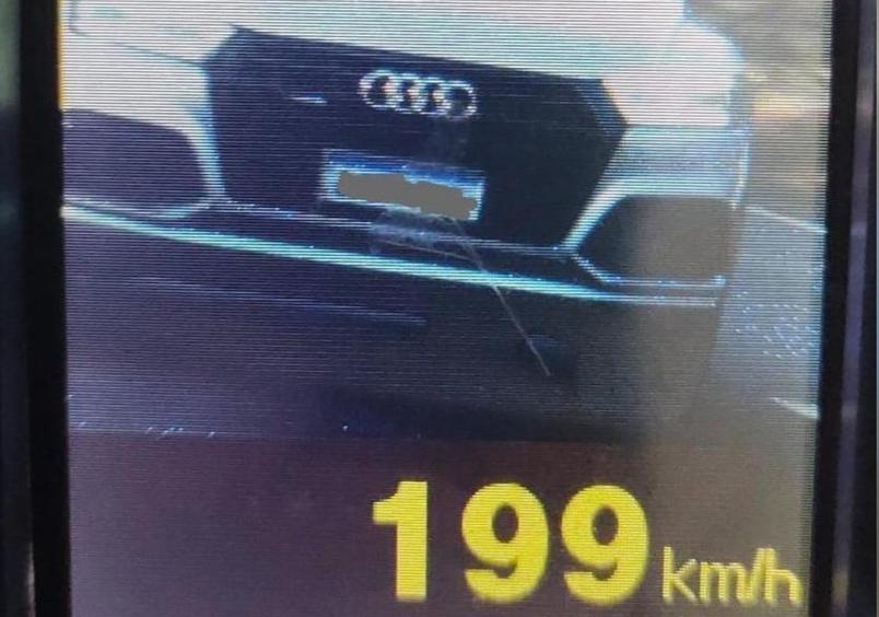PRE flagra carro a quase 200 km/h na PR-323, em Cafezal do Sul