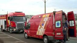Motociclista bate em caminhão e precisa ser socorrido, na BR-369, entre Londrina e Ibiporã