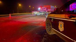 Acidente entre dois caminhões deixa duas pessoas mortas na BR-277, em Balsa Nova