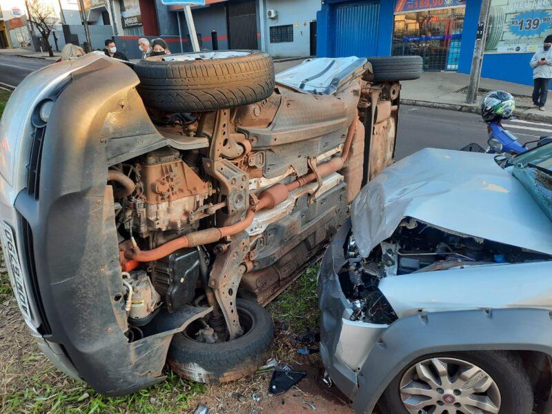 Acidente em Maringá deixa cinco pessoas feridas; veja vídeo