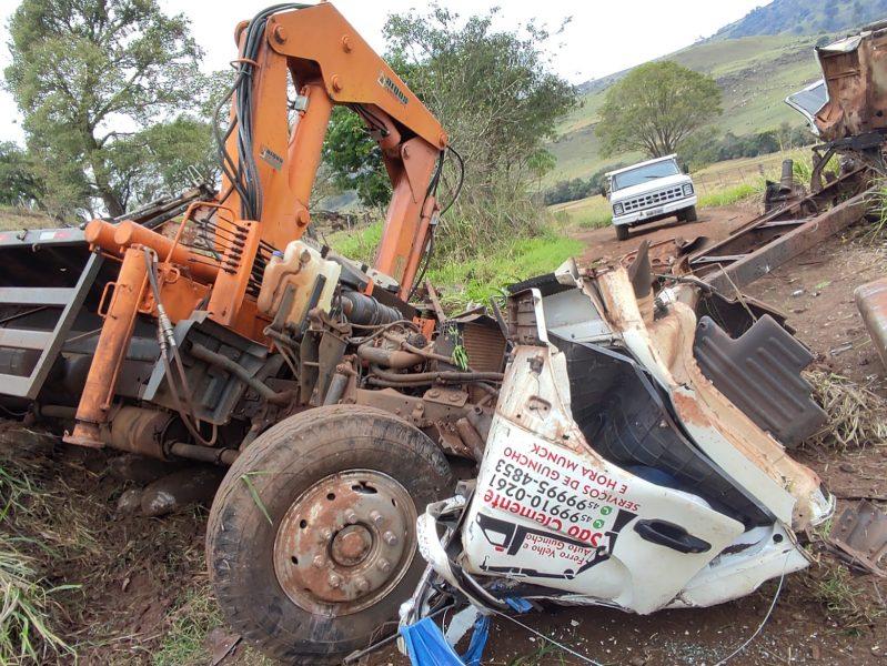 Grave acidente: pessoa morre e outra fica presa às ferragens em Ouro Verde do Oeste (PR)