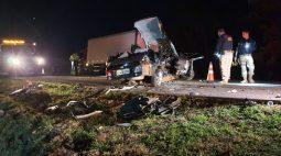 Mulher morre em acidente com três veículos no oeste do PR