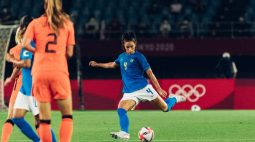 Jogadoras da Seleção de futebol aprovam desempenho contra a Holanda