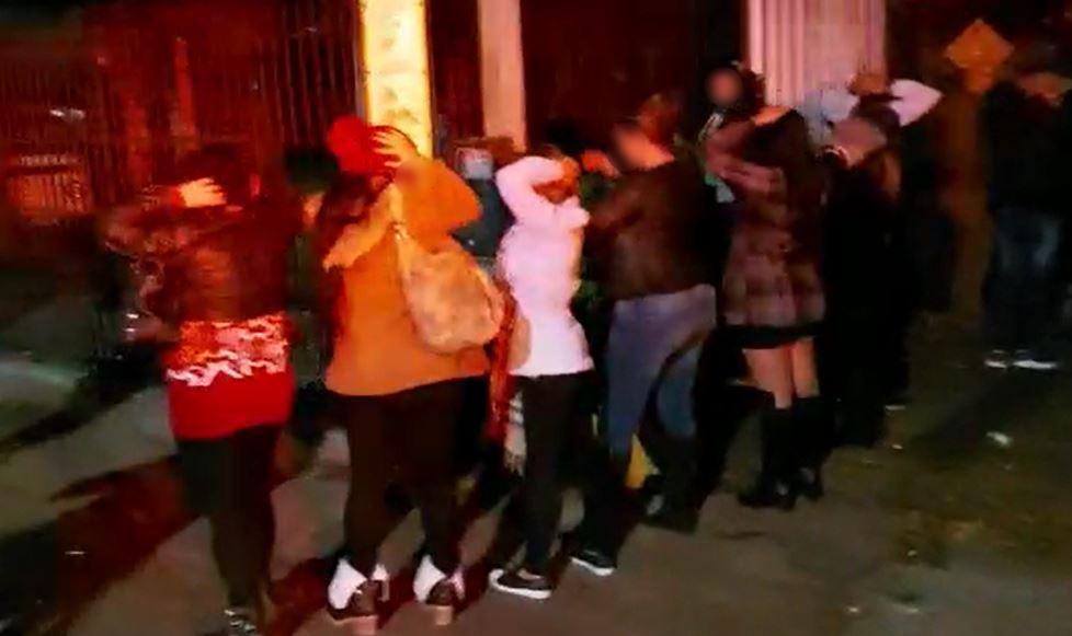 AIFU interrompe festa junina com 200 pessoas em Santa Felicidade e multa responsável em R$ 50 mil