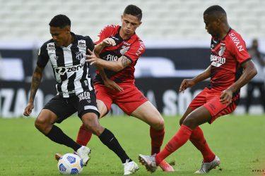 Athletico leva gol nos acréscimos e perde para o Ceará por 1 a 0