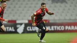 Athletico bate o Internacional por 2 a 1 e volta a vencer após três jogos