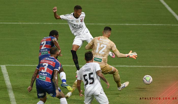 Athletico nunca perdeu para o Fortaleza jogando na Arena da Baixada