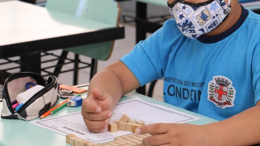 Aulas presenciais em escolas municipais de Londrina voltam nesta segunda-feira (2)