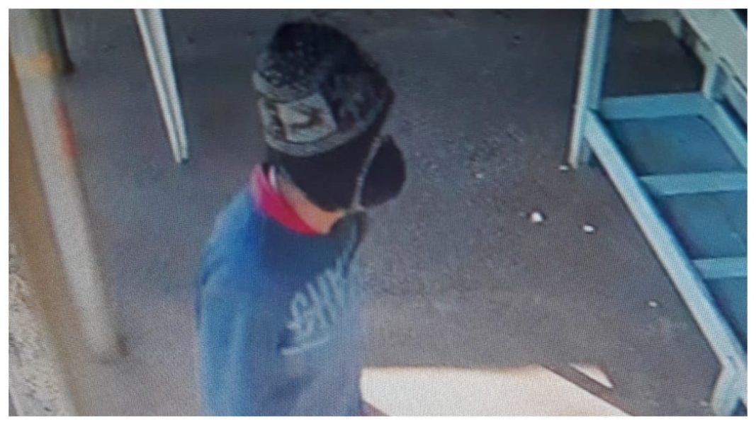 Polícia divulga imagens para tentar localizar autor de homicídio