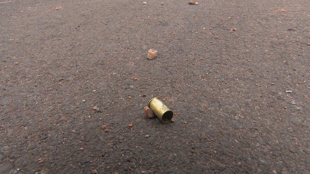 Polícia encontra mais de 20 cápsulas em situação que deixou dois jovens baleados em Cascavel (PR)