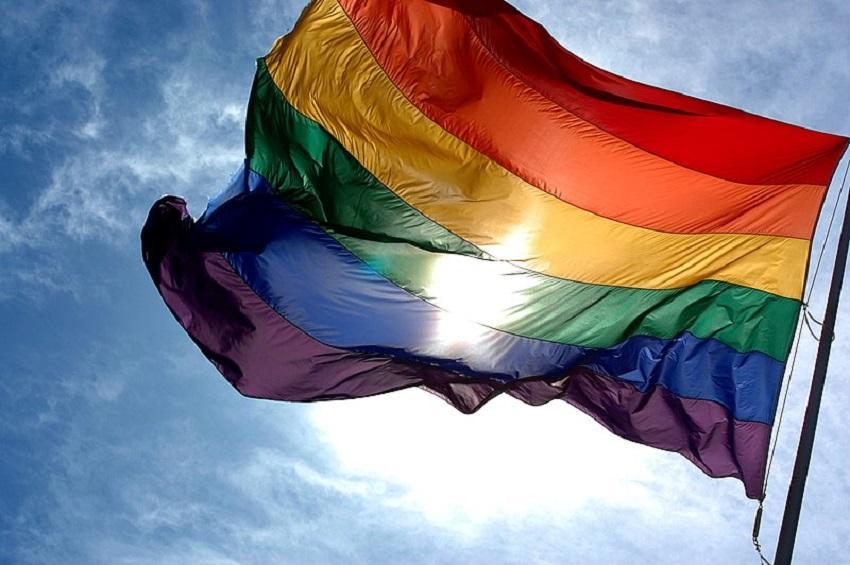 Maringá cria serviço de acolhimento psicológico para população LGBTQIA+