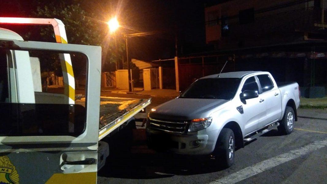 Homem é assaltado, feito de refém e preso no porta-malas do próprio carro, em Londrina