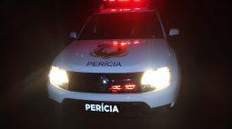 Homem de 42 anos morre ao capotar carro carregado de mercadorias na BR-163