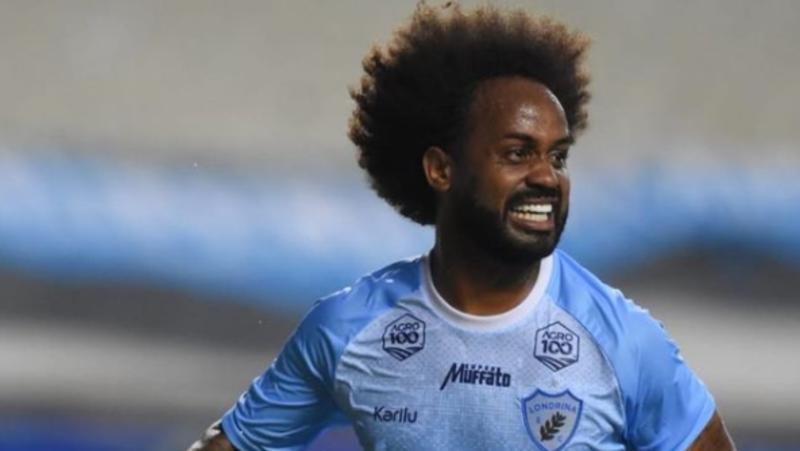 """Narrador chama cabelo de jogador do LEC de """"negócio imundo"""" e clube faz nota contra racismo"""