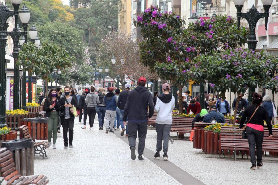 Curitiba registra 17 novas mortes pela Covid-19 e mais 416 novos casos da doença