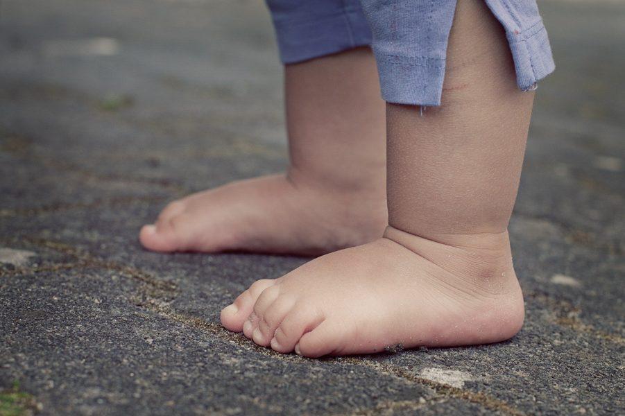 Criança de um ano passa por exames, após suspeita de abuso sexual
