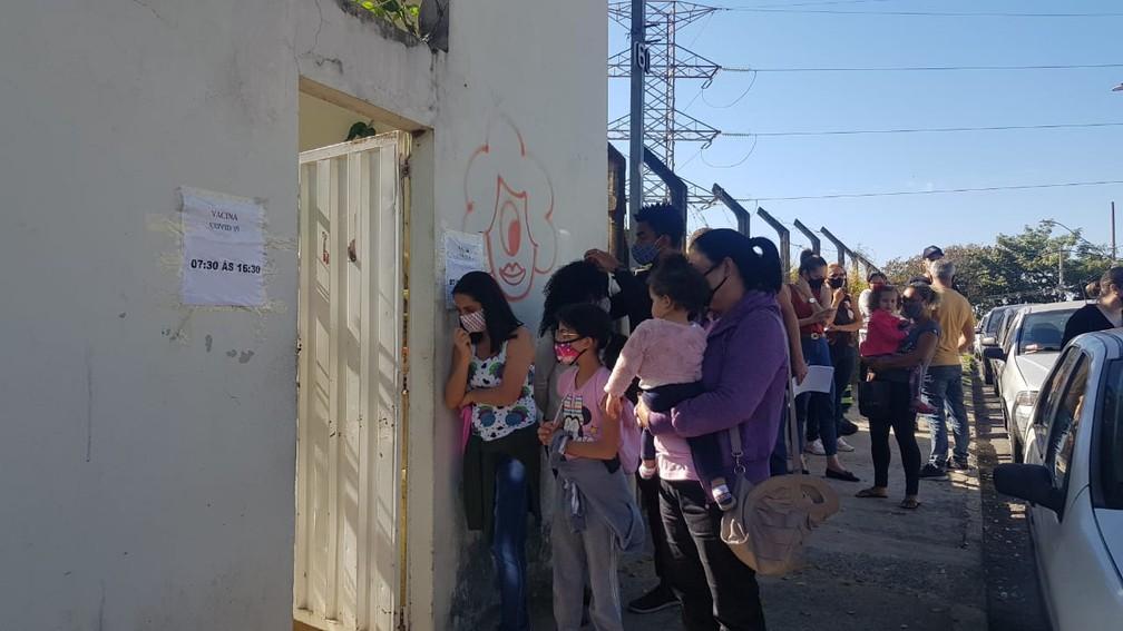Ladrões fazem arrastão em fila da vacina contra a Covid-19 em Belo Horizonte (MG)