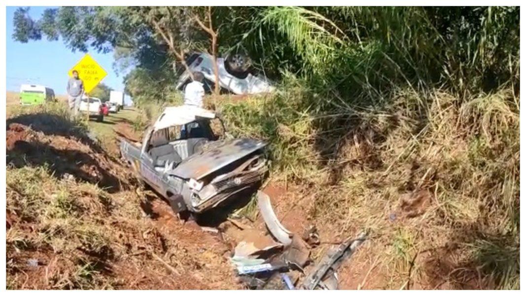 Motorista fica preso nas ferragens, após acidente na BR-369, em Corbélia