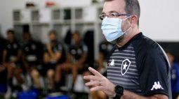 Musa do Botafogo desaprova chegada de Enderson