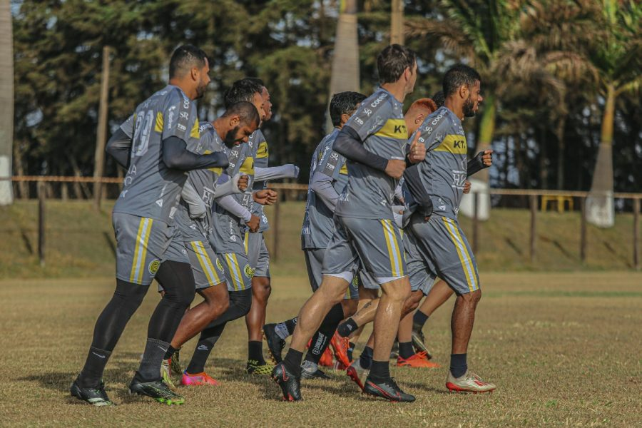 Em duelo de paranaenses, FC Cascavel enfrenta a equipe do Rio Branco