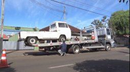 Prefeitura de Londrina começa retirada de veículos abandonados na rua