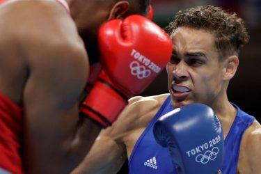 VÍDEO: Boxeador tenta morder a bochecha de adversário nas Olimpíadas de Tóquio
