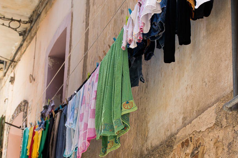 Porteiro suspeito de invadir casa e cheirar calcinhas é preso em Curitiba