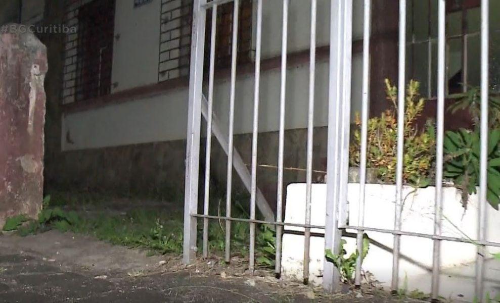Máfia do Ferro Velho: Criminosos roubam portões, lixeiras, bueiros e até quadros de luz em Curitiba