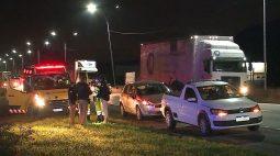 Homem morre atropelado após descer na BR-116 para verificar problema no carro da esposa